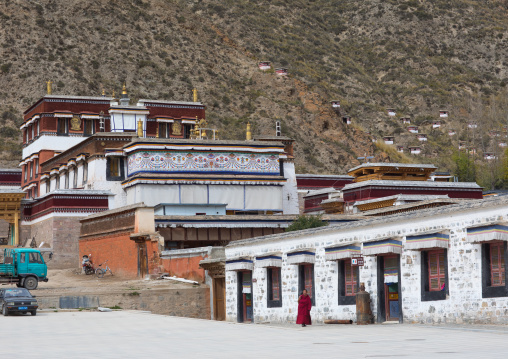Monastery buildings built in the traditional tibetan style, Gansu province, Labrang, China