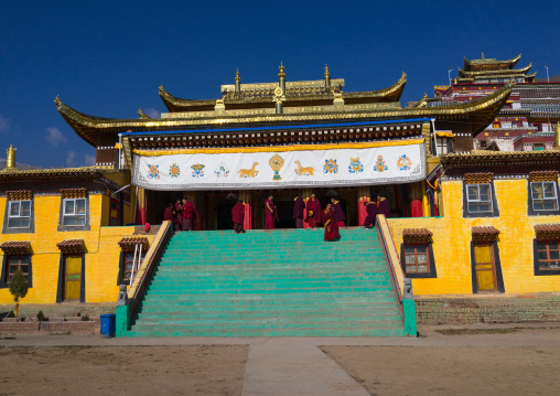 Gelug order or yellow hat sect temple in Bongya monastery, Qinghai province, Mosele, China