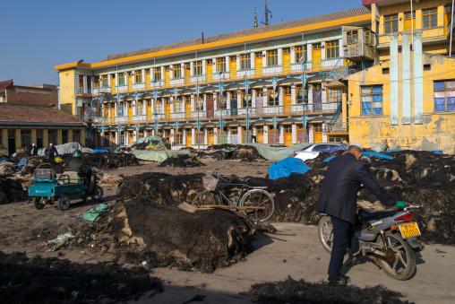 Yak leather and wool market ruled by muslim hui people, Gansu province, Linxia, China