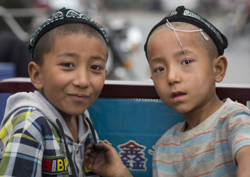 Children, Hotan, Xinjiang Uyghur Autonomous Region, China