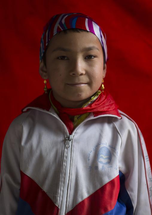 Young Uyghur Girl, Keriya, Old Town, Xinjiang Uyghur Autonomous Region, China
