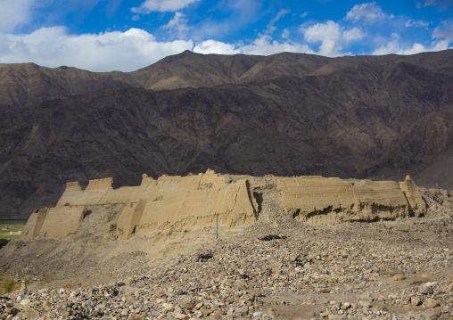 The 7Th Century Ruins Of Tashkurgan Fort, Tashkurgan, Xinjiang Uyghur Autonomous Region, China