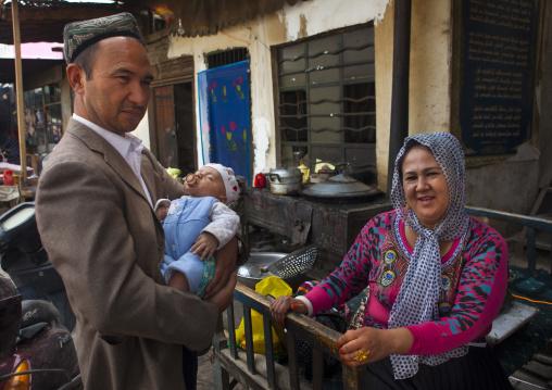 Uyghur Family, Keriya, Old Town, Xinjiang Uyghur Autonomous Region, China