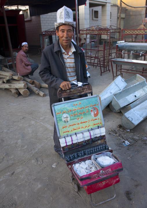 Kirghiz Man Selling Kohl, Yarkand, Xinjiang Uyghur Autonomous Region, China