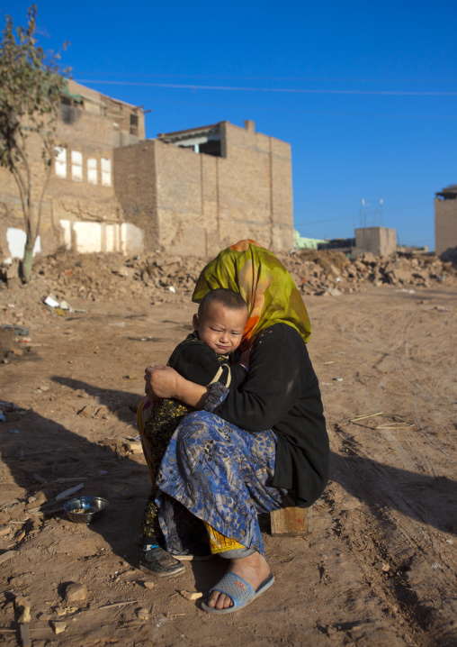 Woman And Her Child, Old Town Of Kashgar, Xinjiang Uyghur Autonomous Region, China