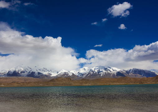 Mountain Scenery At Kara Kul Lake On The Karakoram Highway, Xinjiang Uyghur Autonomous Region, China