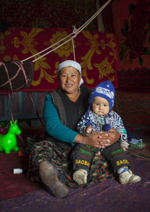 Kyrgyz Woman And Tddler Near Karakul Lake, Xinjiang Uyghur Autonomous Region, China