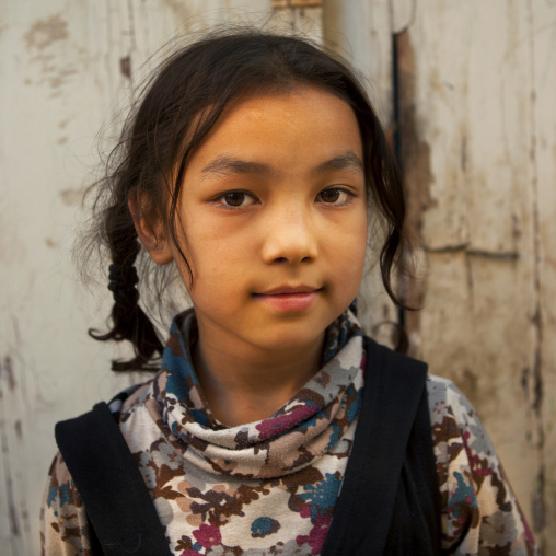 Young Uyghur Girl, Old Town, Kashgar, Xinjiang Uyghur Autonomous Region, China