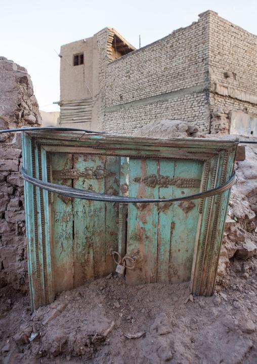 Remains Of A Door, Old Town Of Kashgar, Xinjiang Uyghur Autonomous Region, China