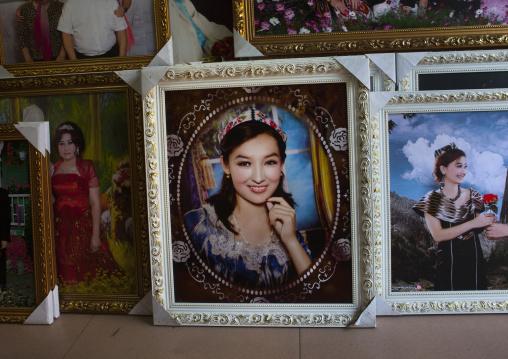 Photo Studio In Kashgar, Xinjiang Uyghur Autonomous Region, China