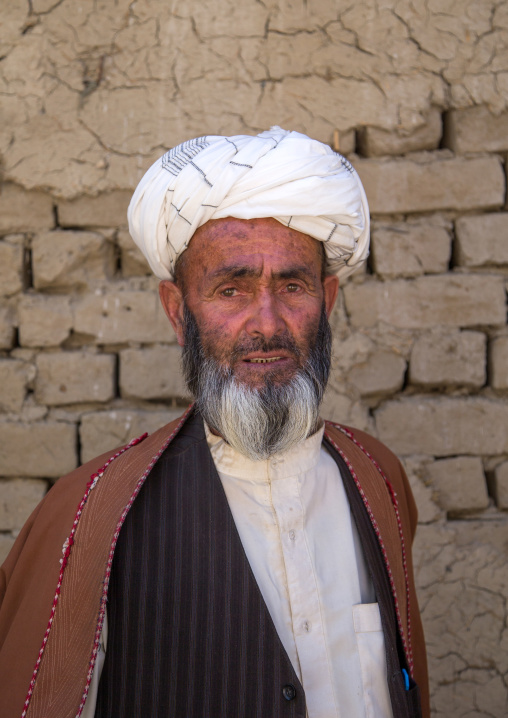 Afghan old man with a turban in the market, Badakhshan province, Ishkashim, Afghanistan