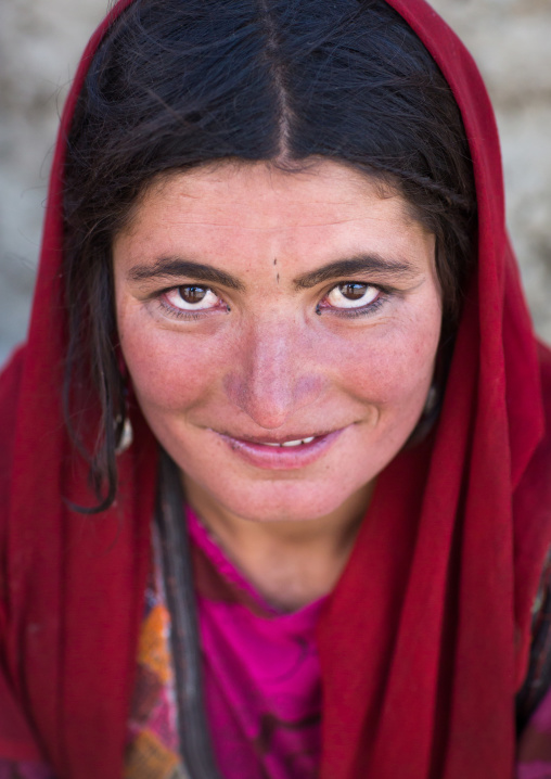 Portrait of a smiling wakhi nomad woman, Big pamir, Wakhan, Afghanistan