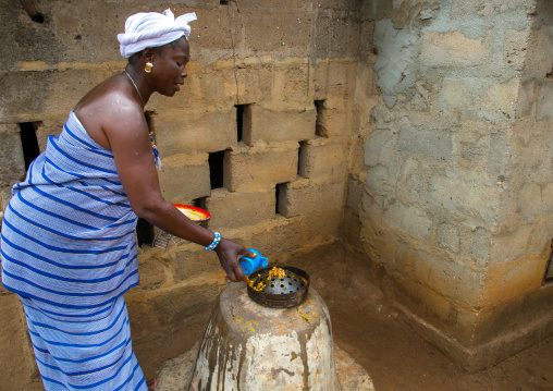 Benin, West Africa, Bopa, miss hounyoga in the deity ogun temple for the voodoo dead twins cult