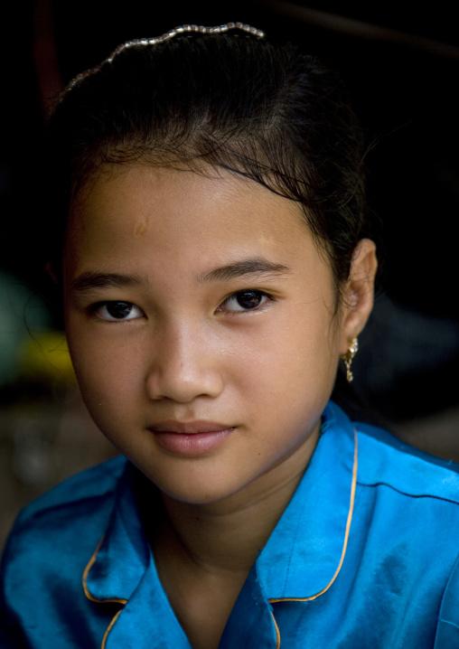 Portrait of a cambodian girl, Battambang province, Battambang, Cambodia