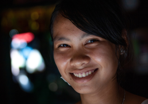 Portrait of a smiling cambodian woman, Battambang province, Battambang, Cambodia