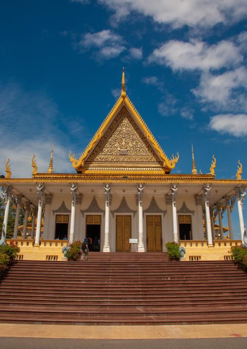 The throne hall inside the royal palace complex, Phnom Penh province, Phnom Penh, Cambodia