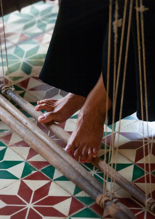 Cambodioan feet woman weaving, Phnom Penh province, Phnom Penh, Cambodia