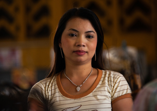 Portrait of a cambodian woman, Phnom Penh province, Phnom Penh, Cambodia