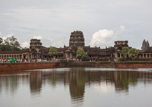 Angkor wat reflection in the pond, Siem Reap Province, Angkor, Cambodia
