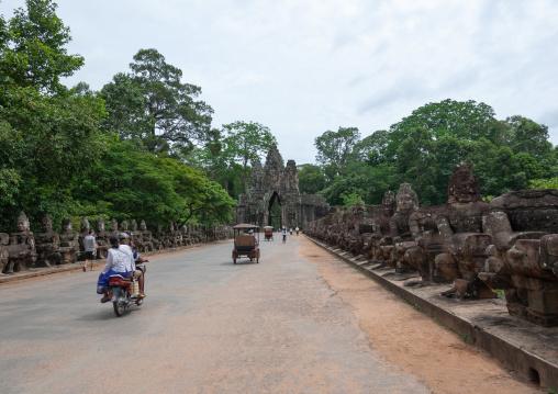 Angkor wat entrance gate, Siem Reap Province, Angkor, Cambodia