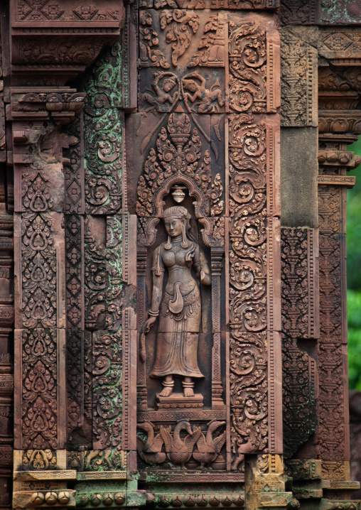 Khmer statue in Banteay Srei temple, Siem Reap Province, Angkor, Cambodia