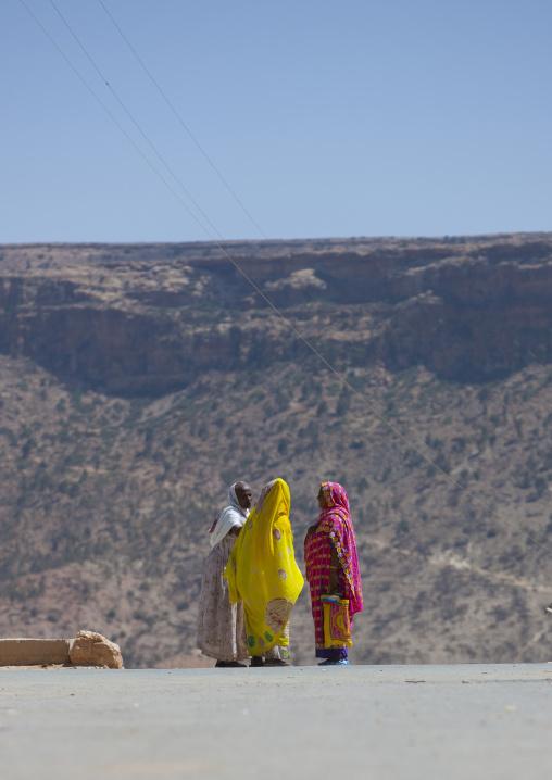 Three Women Chatting, Debub, Adi Keyh, Eritrea