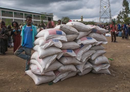 Ethiopian people wait at a food distribution centre, Semien wollo zone, Woldia, Ethiopia