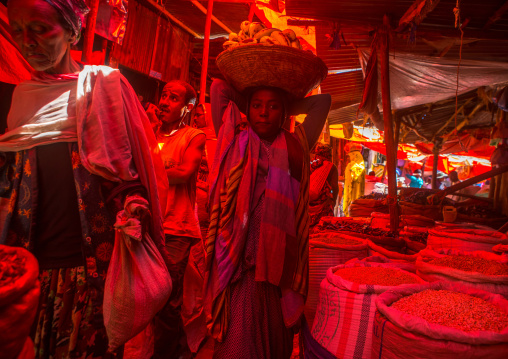 Spice and grain market in the old town, Harari region, Harar, Ethiopia