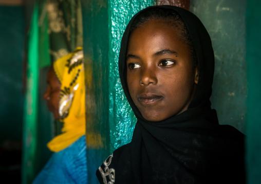 Sufi young woman worshipper, Harari region, Harar, Ethiopia