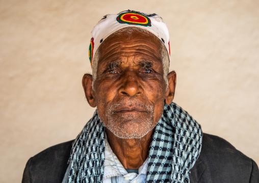 Oromo pilgrim man in Sheikh Hussein shrine, Oromia, Sheik Hussein, Ethiopia