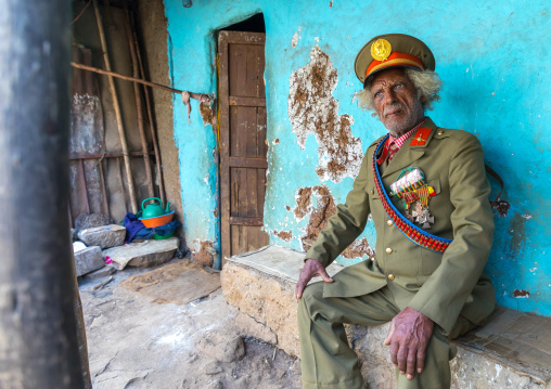 Ethiopian veteran from the italo-ethiopian war in army uniform, Addis Ababa Region, Addis Ababa, Ethiopia