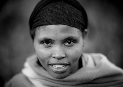 Portrait of young smilling Ethiopian woman, Ethiopia