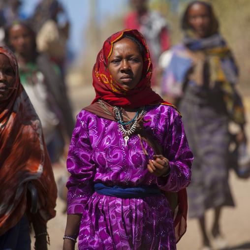 Women going to market, Bati, Danakil, Ethiopia