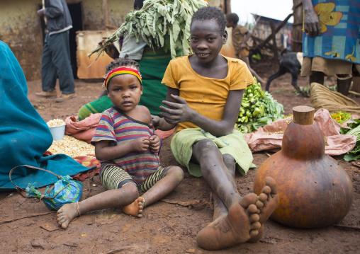 Girls from menit tribe in the market, Jemu, Omo valley, Ethiopia