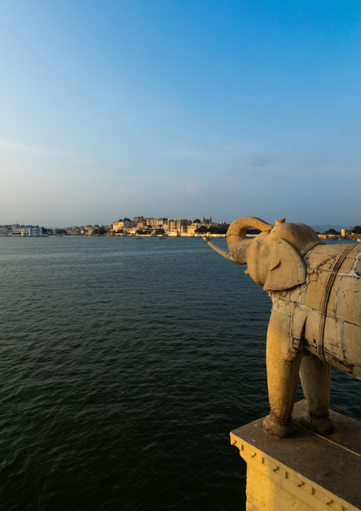 Elephant sculpture at lake Pichola, Rajasthan, Udaipur, India