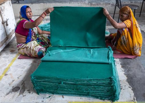 Indian workers in Salim's paper handmade paper factory, Rajasthan, Sanganer, India