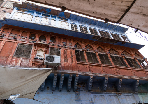 Old balcony of a haveli, Rajasthan, Jodhpur, India