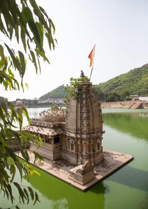 Temple on lake nawal sagar, Rajasthan, Bundi, India