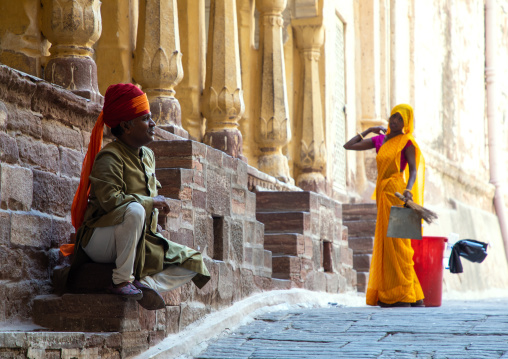 Indian guard with a woman in Mehrangarh fort, Rajasthan, Jodhpur, India