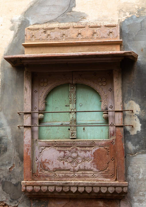Beautiful balcony of a haveli in the old city, Rajasthan, Bikaner, India