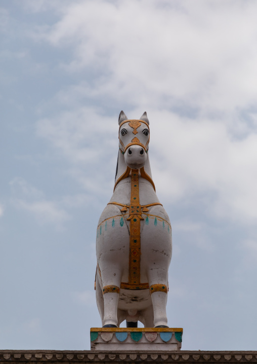 Statue of the horse ridden into battle by ummed singh, Rajasthan, Bundi, India