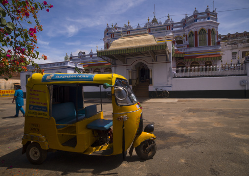 Taxi Rickshaw Parked In Front Of The Chettinad Palace, Kanadukathan Chettinad, India