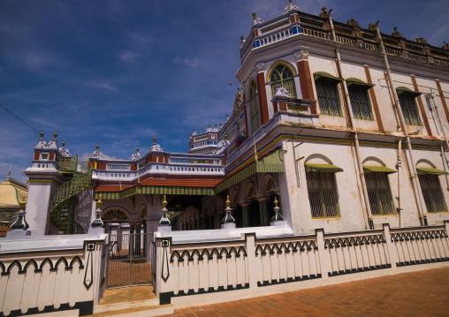 Front Of The Majestic And Colorful Chettinad Palace, Kanadukathan Chettinad, India