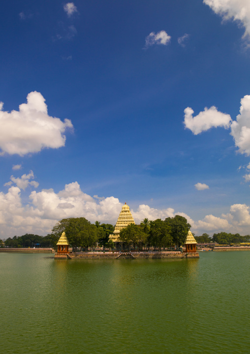 Temple With Golden Roofs On The Mariamman Teppakulam Tank, Madurai, India