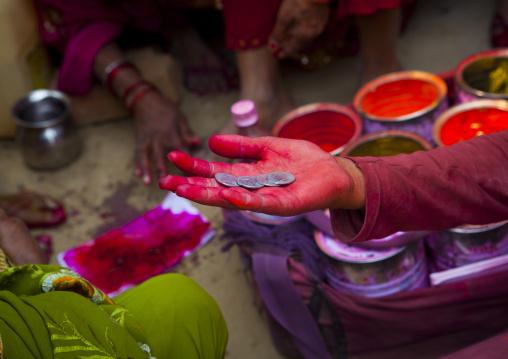Woman With Rupees, Maha Kumbh Mela, Allahabad, India