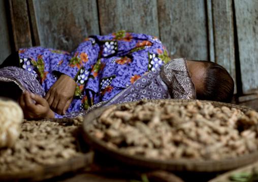 Sleepin gin the market, Java island indonesia