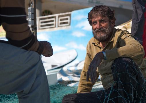 bearded fisherman on the seaside, Hormozgan, Bandar Abbas, Iran