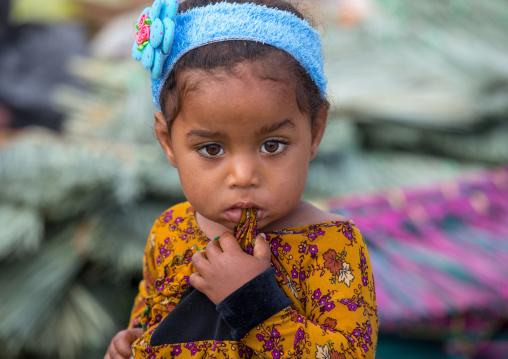 little girl in panjshambe bazar thursday market, Hormozgan, Minab, Iran