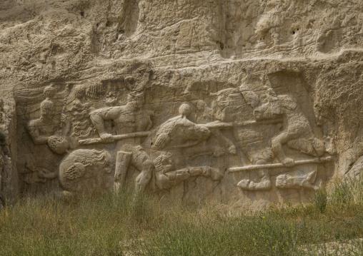 Equestrian victory of hormizd ii over king papak of armenia at naqsh-e rustam, Fars province, Shiraz, Iran