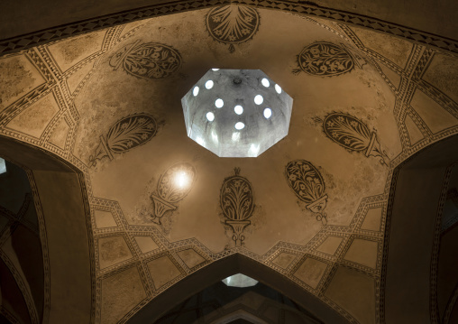 Ceiling with its intricate and elaborate patterns and internal stainless glass dome i, Hamman-e vakil bath, Fars province, Shiraz, Iran